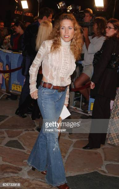 """Sheryl Crow arrives at the premiere screening of """"Shallow Hal."""""""