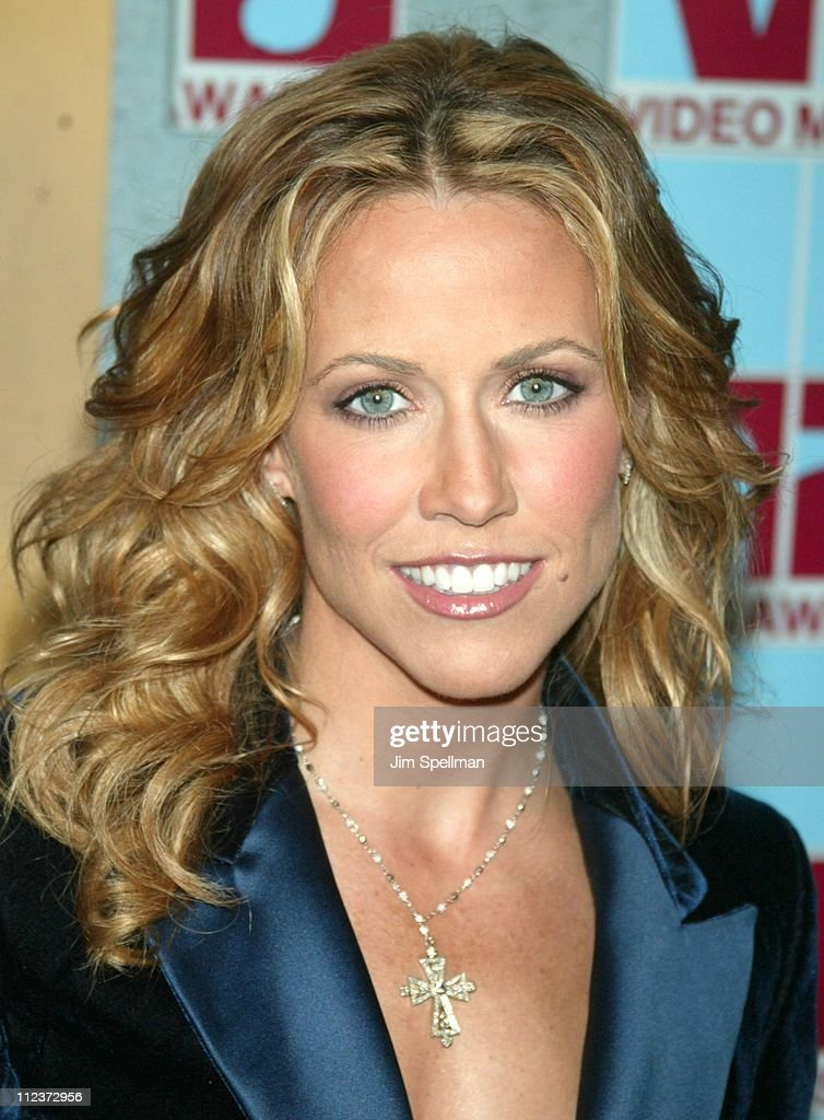 Sheryl Crow during 2002 MTV Video Music Awards - Arrivals at Radio City Music Hall in New York City, New York, United States.
