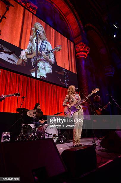 Sheryl Crow performs at the Happy Hearts Fund Gala with Chopard 10 year anniversary of the Indian Ocean tsunami tribute at Cipriani 42nd Street on...
