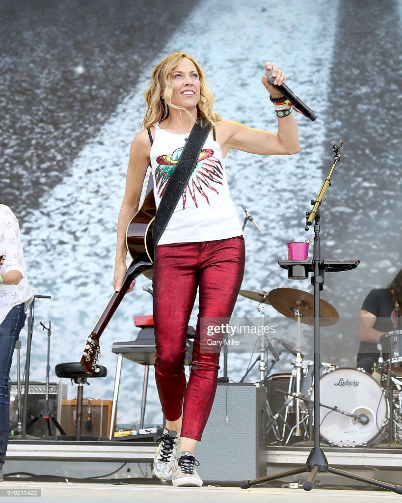 Sheryl Crow performs in concert during day 2 of the Bonnaroo Music And Arts Festival on June 8, 2018 in Manchester, Tennessee.