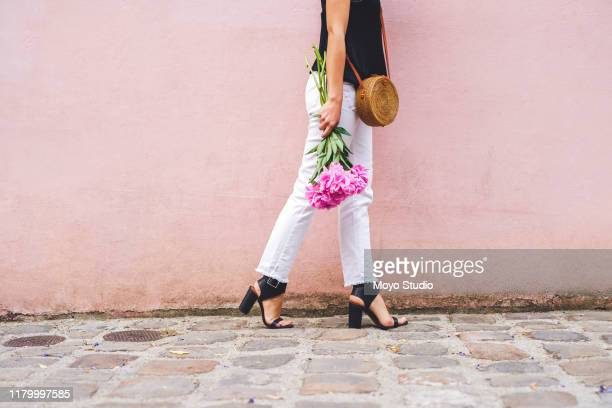 she's about to make someone's day - crossbody bag stock pictures, royalty-free photos & images