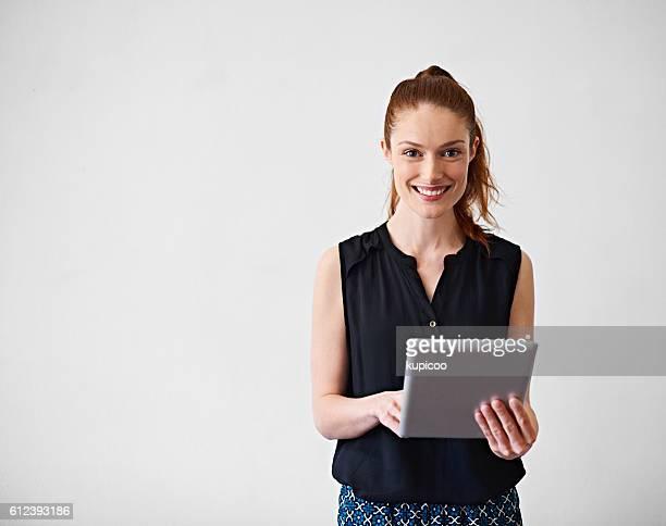ela está sempre conectado - cabelo ruivo - fotografias e filmes do acervo