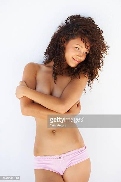 elle a la sensualité - grosse poitrine photos et images de collection