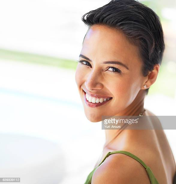 she's got the perfect smile - black hair stock pictures, royalty-free photos & images
