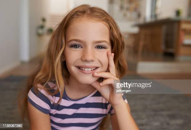 she's just one carefree kid - 8 9 anni foto e immagini stock