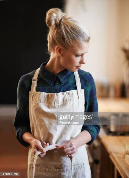 Elle est prête à faire une autre série de café
