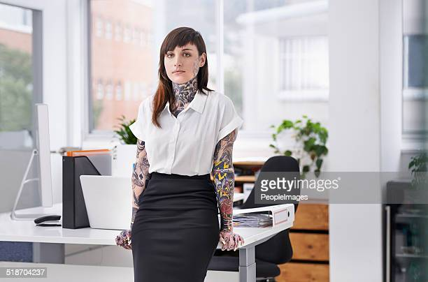 she's ready to rock the corporate scene - tattoo stock pictures, royalty-free photos & images
