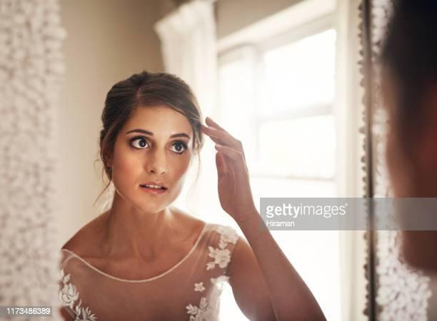 彼女は花嫁だ フィルターは必要ない - あがり症 ストックフォトと画像