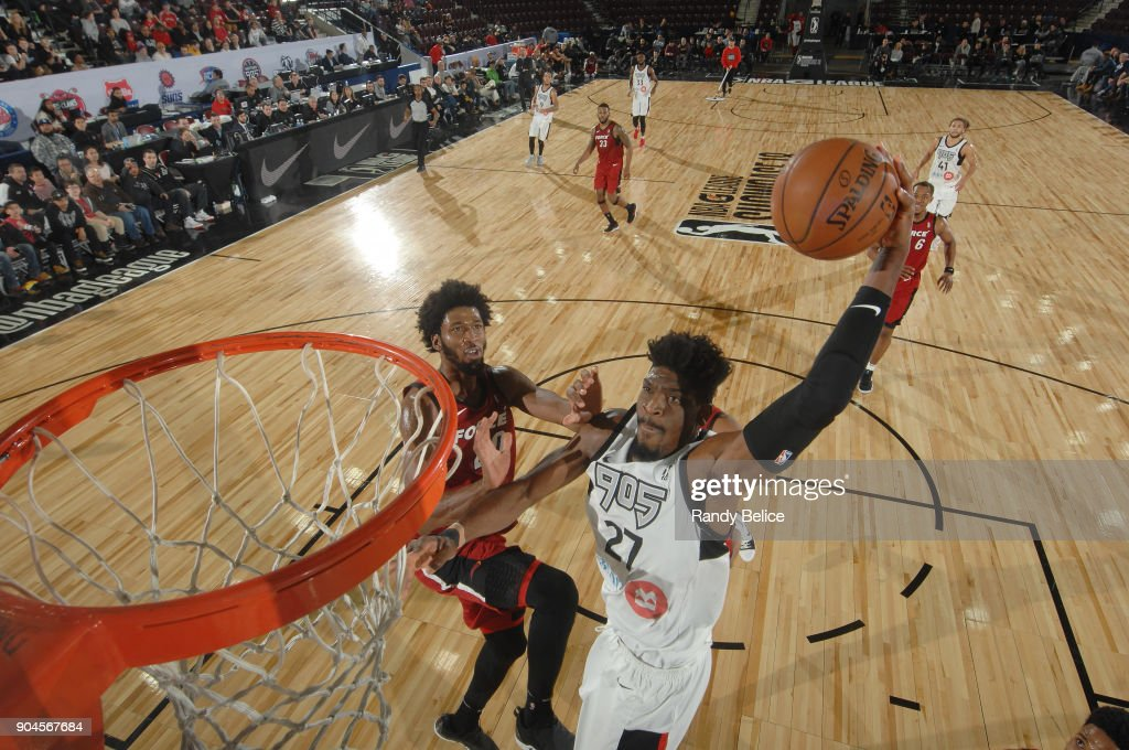 Shevon Thompson #27 of the Raptors 905 drives to the basket during the NBA G League Showcase Game 22 between the Sioux Falls Skyforce and the Raptors 905 on January 13, 2018 at the Hershey Centre in Mississauga, Ontario Canada.