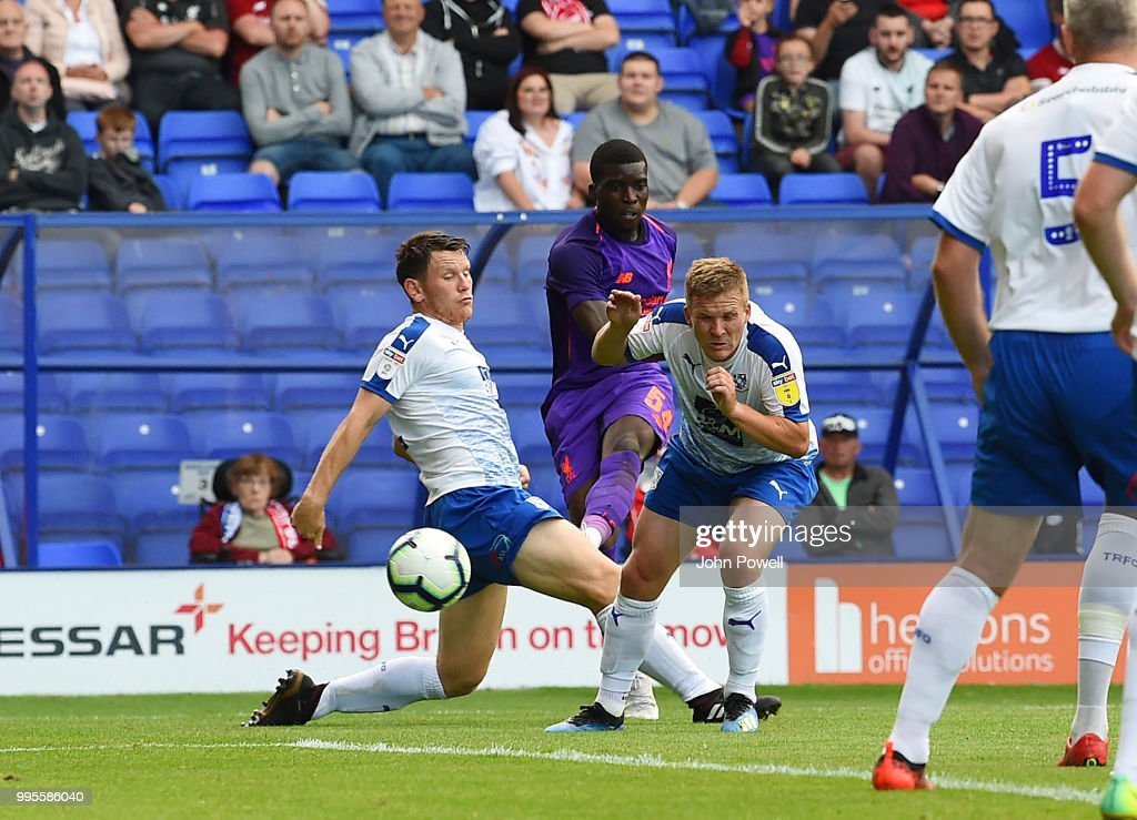 Sheyi Ojo of Liverpool scoring a goal during the pre-season friendly match between Tranmere Rovers and Liverpool at Prenton Park on July 10, 2018 in Birkenhead, England.