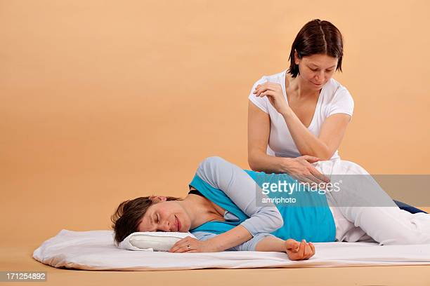 shiatsu hip woman