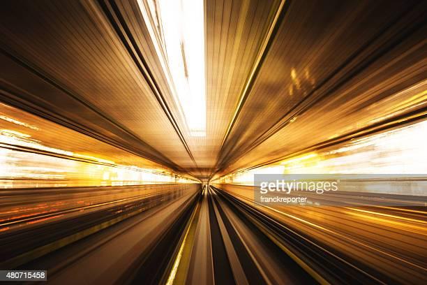 shibaura área de negócios em tóquio, japão - túnel estrutura feita pelo homem - fotografias e filmes do acervo