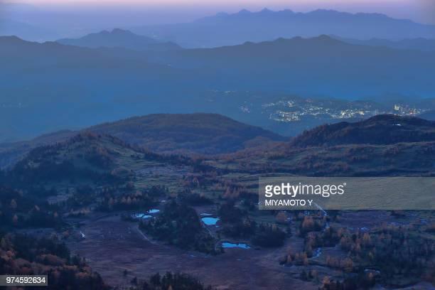 shibu pass in autumn morning - miyamoto y ストックフォトと画像