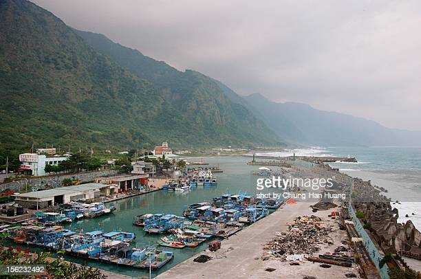 shihti fishing port - hualien county stock pictures, royalty-free photos & images