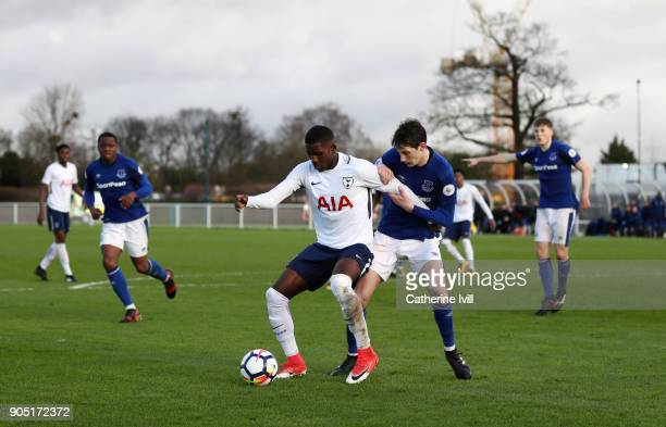 Shilow Tracey of Tottenham Hotspur battles with Matthew Foulds of Everton during the Premier League 2 match between Tottenham Hotspur and Everton on...