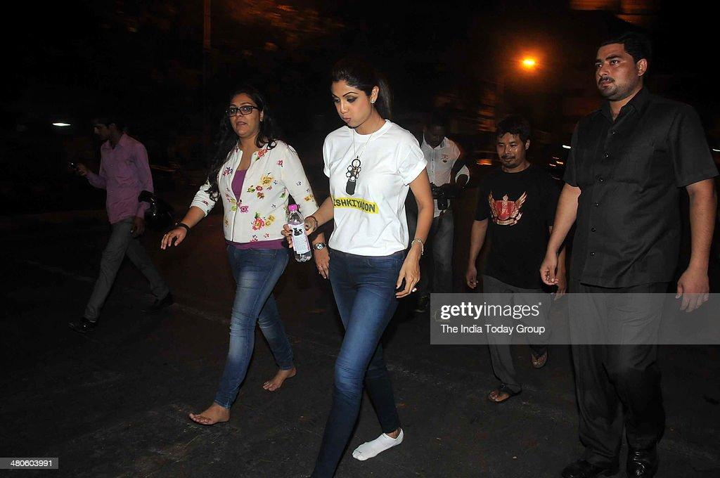 Shilpa Shetty spotted walking towards Siddhivinayak Temple in Mumbai.
