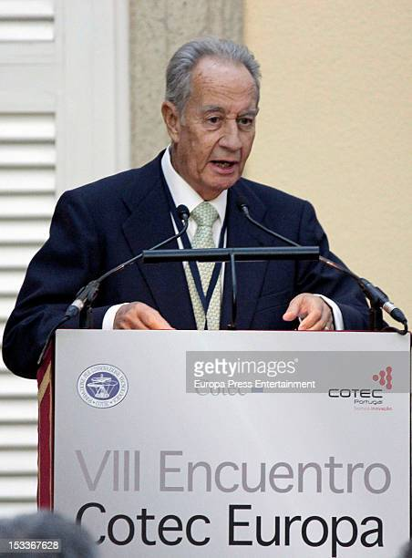 Shimon Peres speaks at the COTEC Europa Meeting at Palacio El Pardo on October 3 2012 in Madrid Spain