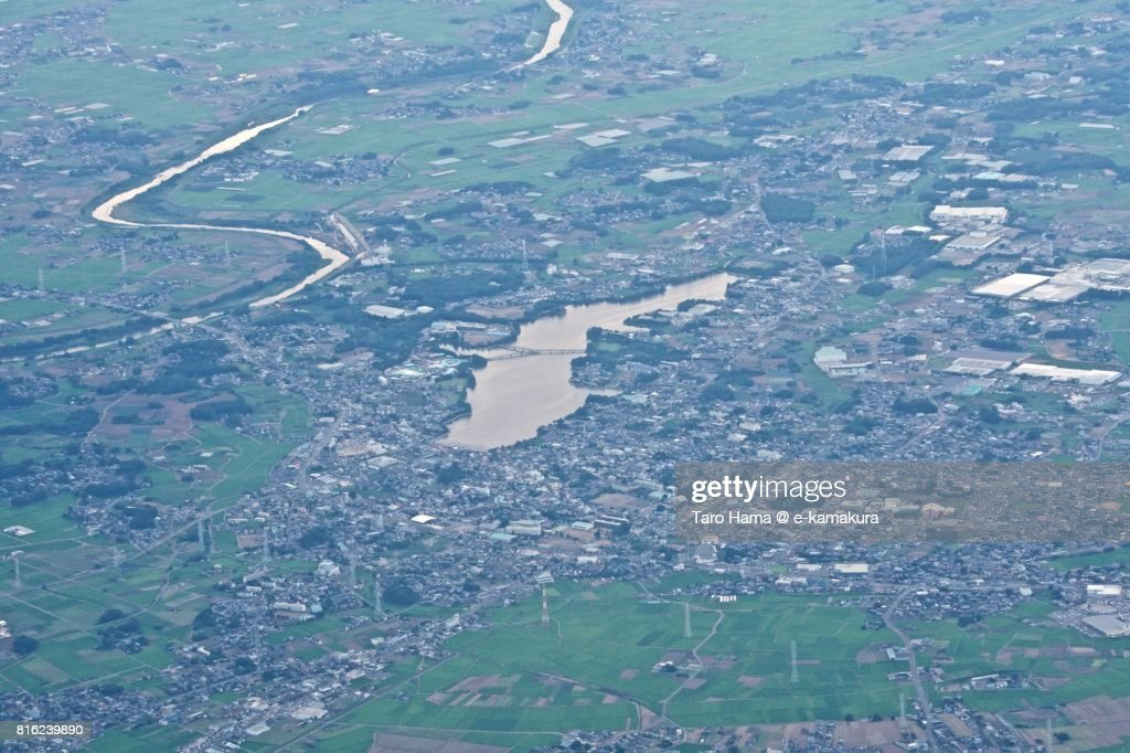 Shimotsuma city in Ibaraki prefecture sunset time aerial view from airplane : ストックフォト