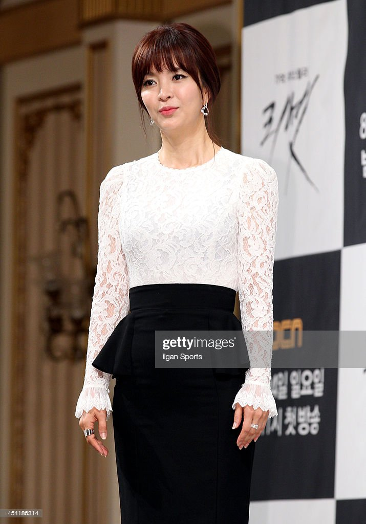 Shin Eun-Jung attends the OCN drama 'Reset' press conference at Imperial Palace on August 20, 2014 in Seoul, South Korea.