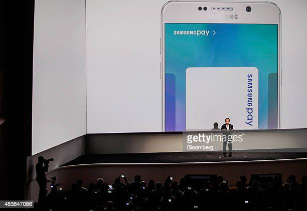 Shin Jong Kyun president and cochief executive officer of Samsung Electronics Co speaks during the Samsung Unpacked 2015 event in New York US on...