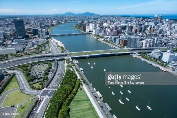 shinano river in niigata prefecture of japan - 新潟県 ストックフォトと画像