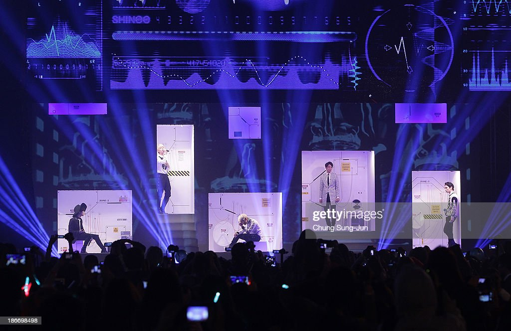 Shinee Perform On Stage During Youtube Music Awards 2013 At Kintex News Photo Getty Images