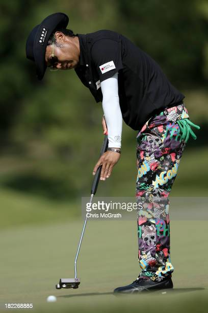 Shingo Katayama of Japan putts on the fourth green during day four of the Panasonic Japan Open at Ibaraki Golf Club on September 29 2013 in Ibaraki...