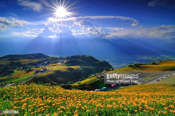 shining mt. sixty ton - hualien county stock pictures, royalty-free photos & images
