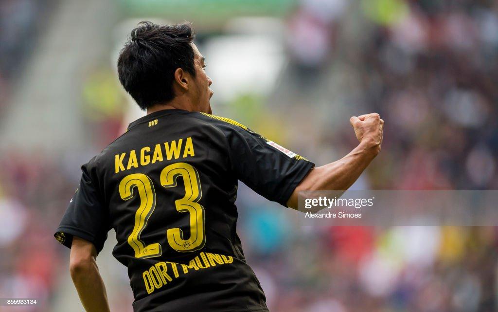 FC Augsburg v Borussia Dortmund - Bundesliga : ニュース写真