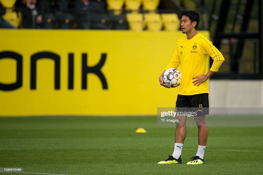 Borussia Dortmund Training Session : ニュース写真