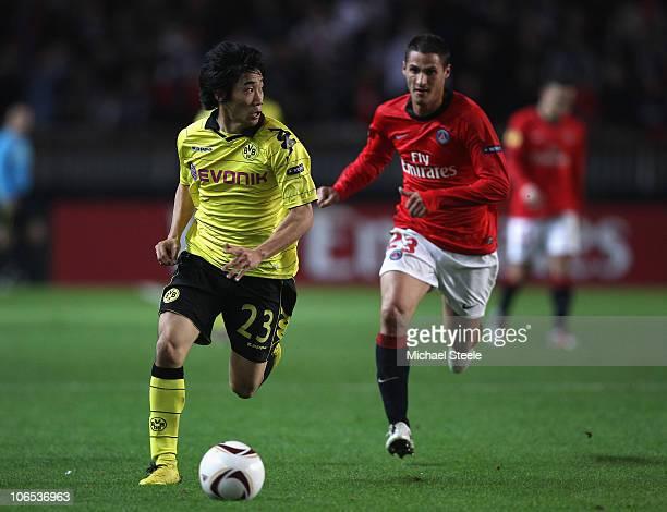 Shinji Kagawa of Borussia during the UEFA Europa League Group J match between Paris Saint Germain and Borussia Dortmund at the Parc des Princes on...
