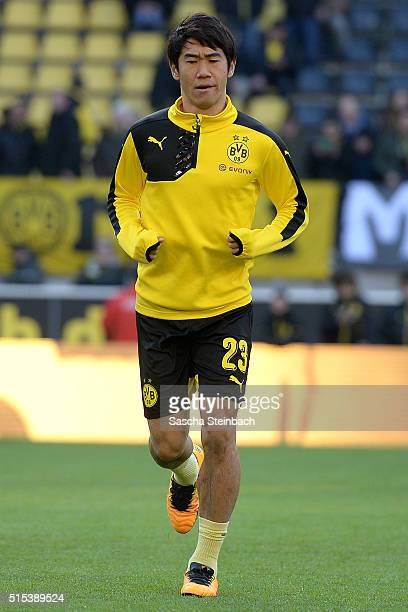 Shinji Kagawa of Dortmund warms up priot to the Bundesliga match between Borussia Dortmund and 1 FSV Mainz 05 at Signal Iduna Park on March 13 2016...