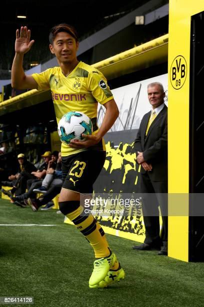 Shinji Kagawa welcomes the fans during the Borussia Dortmund Season Opening 2017/18 at Signal Iduna Park on August 4 2017 in Dortmund Germany