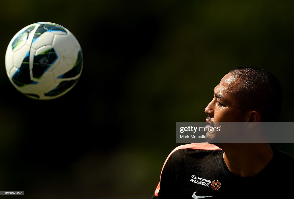 Shinji Ono controls the ball during a Western Sydney Wanderers A-League training session at Blacktown International Sportspark on February 19, 2013 in Sydney, Australia.