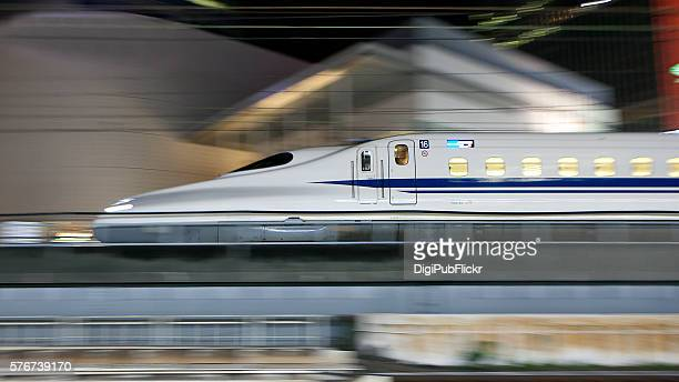 shinkansen bullet train - high speed train stock pictures, royalty-free photos & images