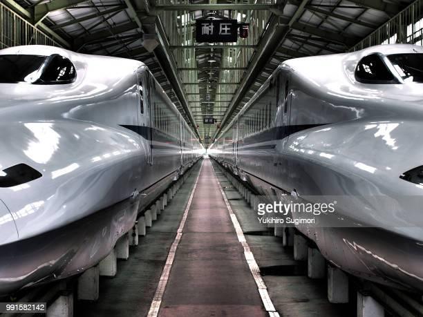 shinkansen n700 - 高速列車 ストックフォトと画像