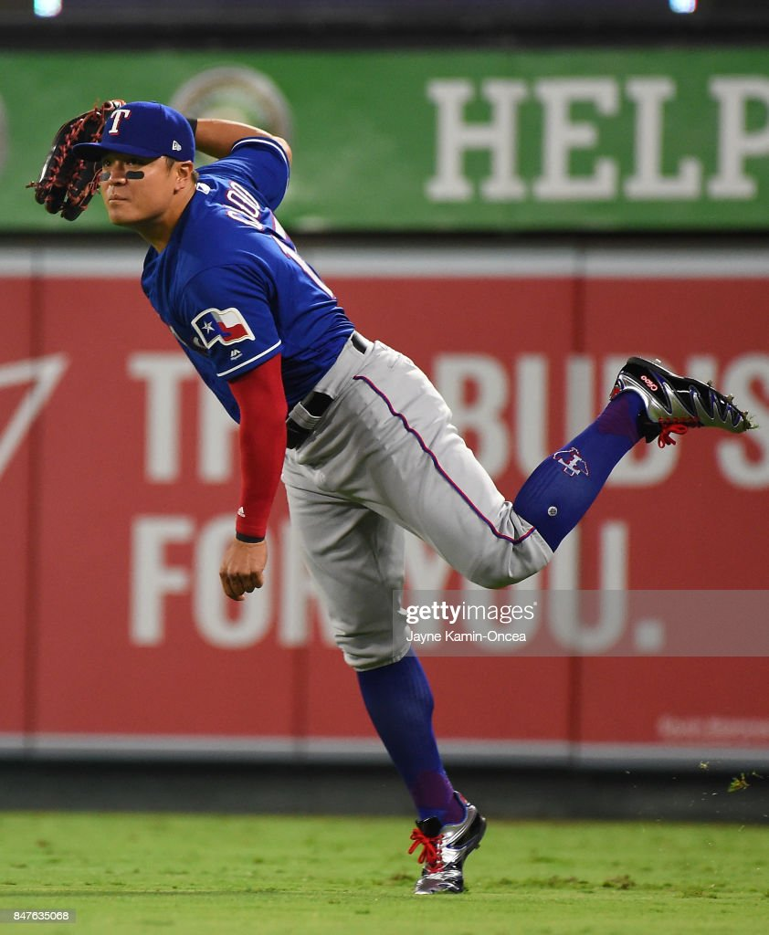 Texas Rangers v Los Angeles Angels of Anaheim : ニュース写真