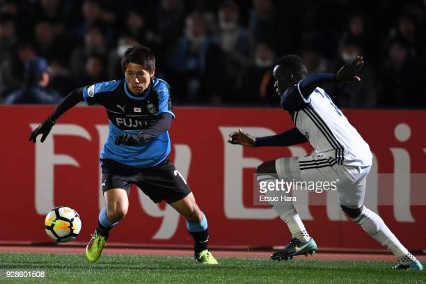 Shintaro Kurumaya of Kawasaki Frontale in action during the AFC Champions League Group F match between Kawasaki Frontale and Melbourne Victory at...