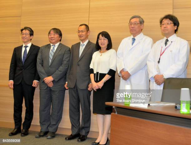 Shinya Yamanaka head of Kyoto University's Center for iPS Cell Research and Application and Riken project leader Masayo Takahashi attend a press...