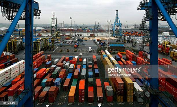 Ship freight containers sit on Tilbury Dock on February 1 2007 in Tilbury England The Northfleet Hope Container Terminal was completed at Tilburyin...