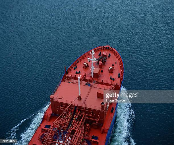 ship in the firth of forth - oil industry stock pictures, royalty-free photos & images
