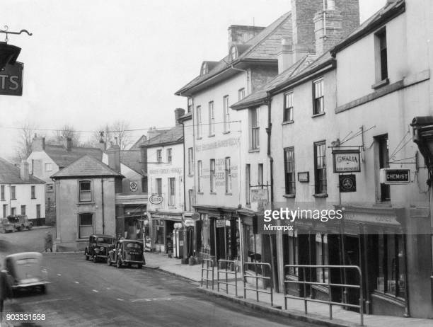 Ship Street Brecon a market town and community in Powys Mid Wales 28th January 1955