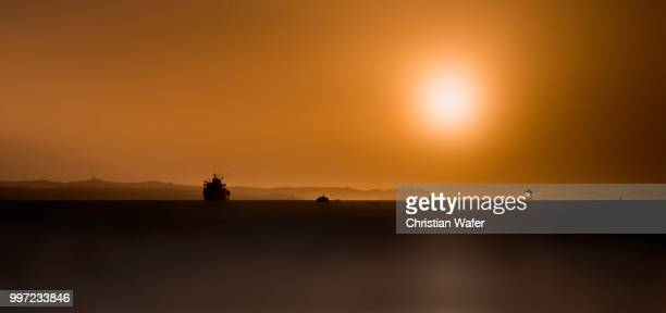 ship sun