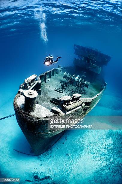 ship that sank a long ago - shipwreck stock pictures, royalty-free photos & images