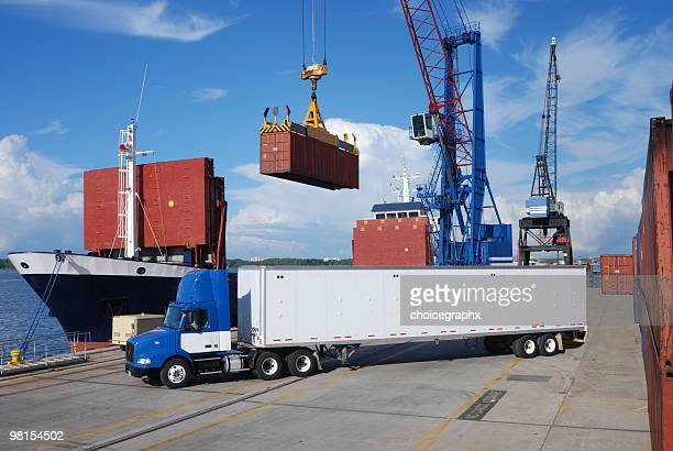 shipping and trucking transportation industry - science and technology stock pictures, royalty-free photos & images