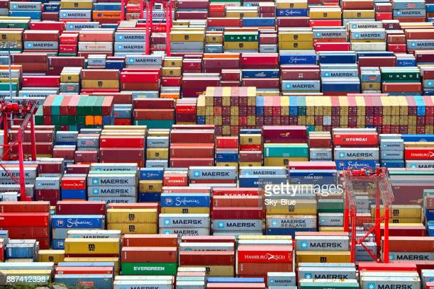 shipping containers - maersk stock pictures, royalty-free photos & images