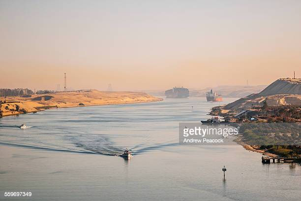 shipping traffic, suez canal - suez canal stock pictures, royalty-free photos & images