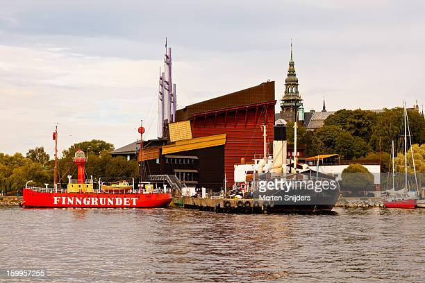 ships and museums at djurgården - merten snijders stockfoto's en -beelden