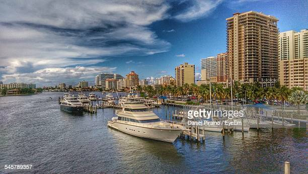 ships at a harbor - fort lauderdale stock pictures, royalty-free photos & images