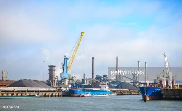 エイマイデン鋼ミル タタ鉄鋼無制限船 - タタ・スチール ストックフォトと画像